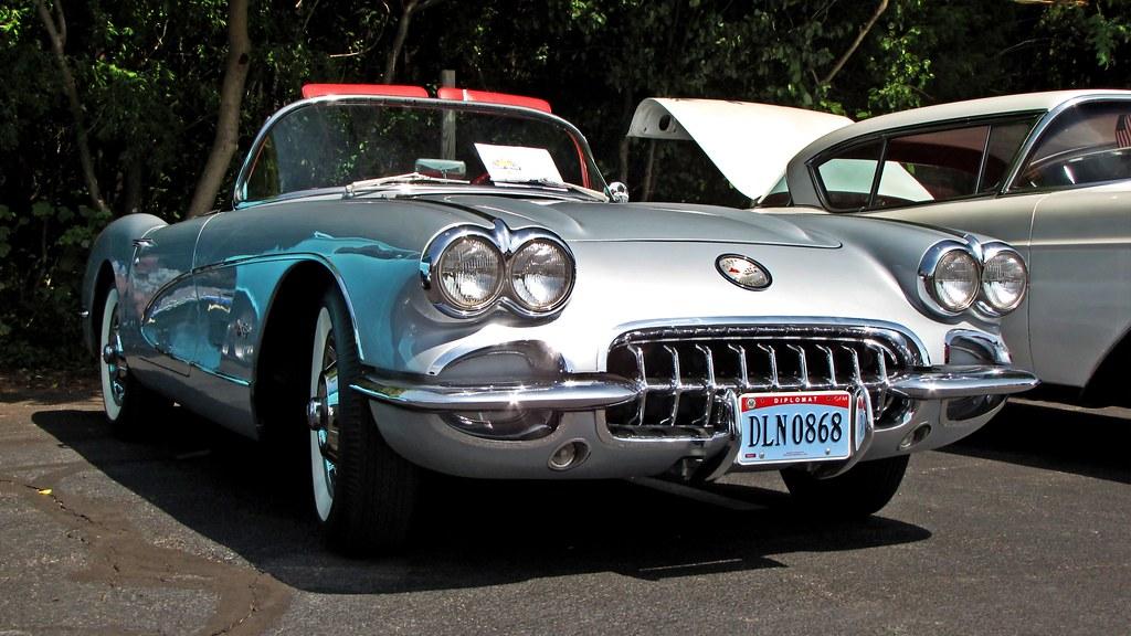 Chevrolet Corvette | Chevrolet Corvette on display at a car … | Flickr