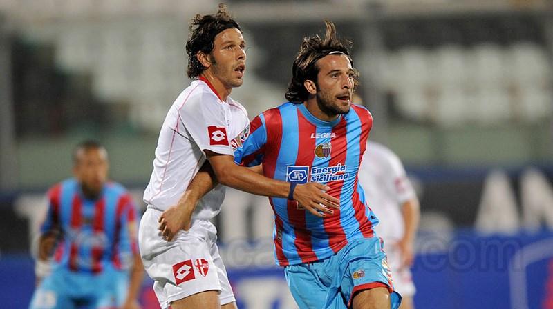 Gianvito Plasmati in azione contro il Padova nel settembre 2008