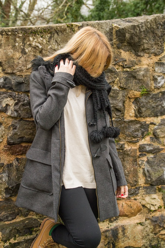 Grey Coat: look con trenca