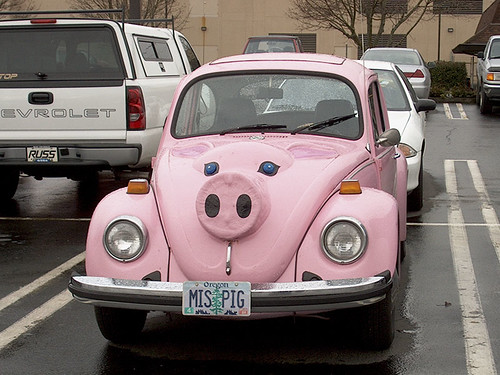 2004-02-18 miss piggy car