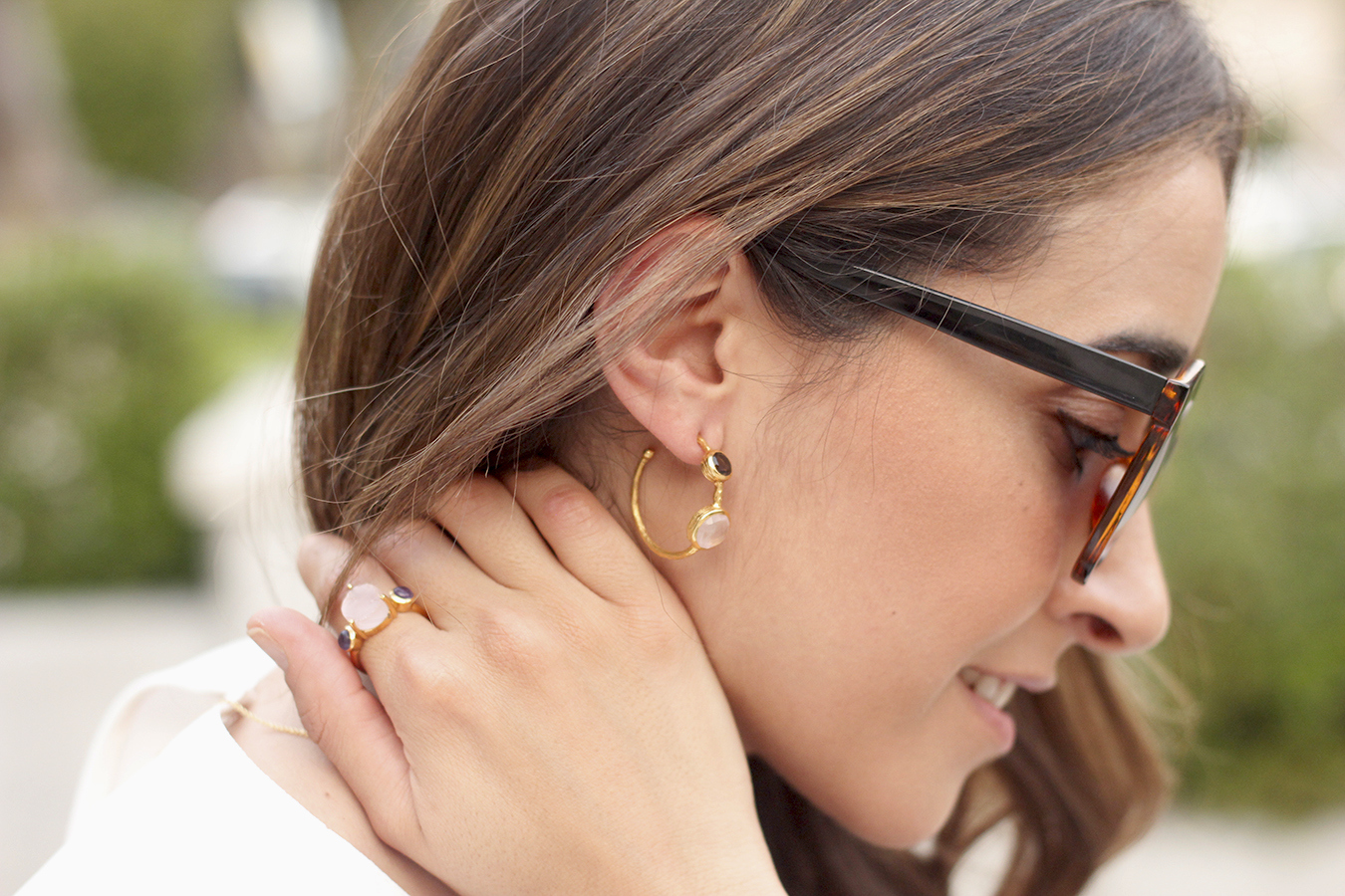 White blouse jeans earrings jewellery corte ingles joyería verano summer outfit style3