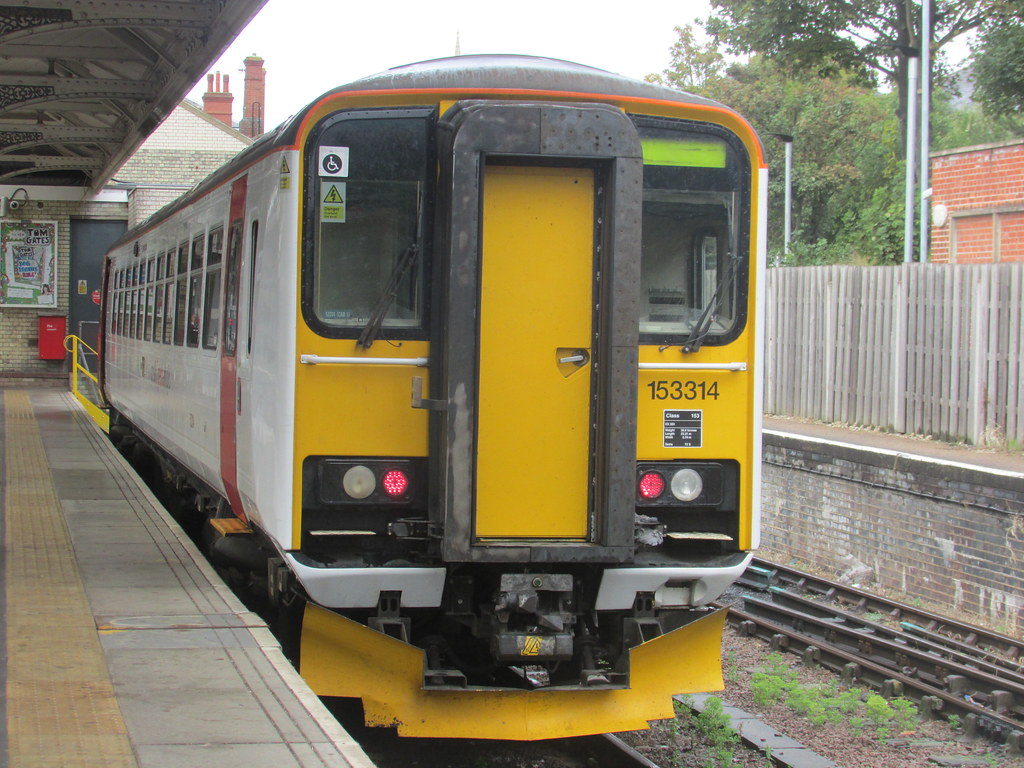 ... Greater Anglia 153314 at Norwich | by Clarky 16