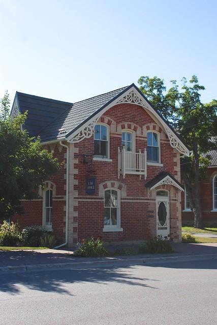 brick-house-creemore-ontario