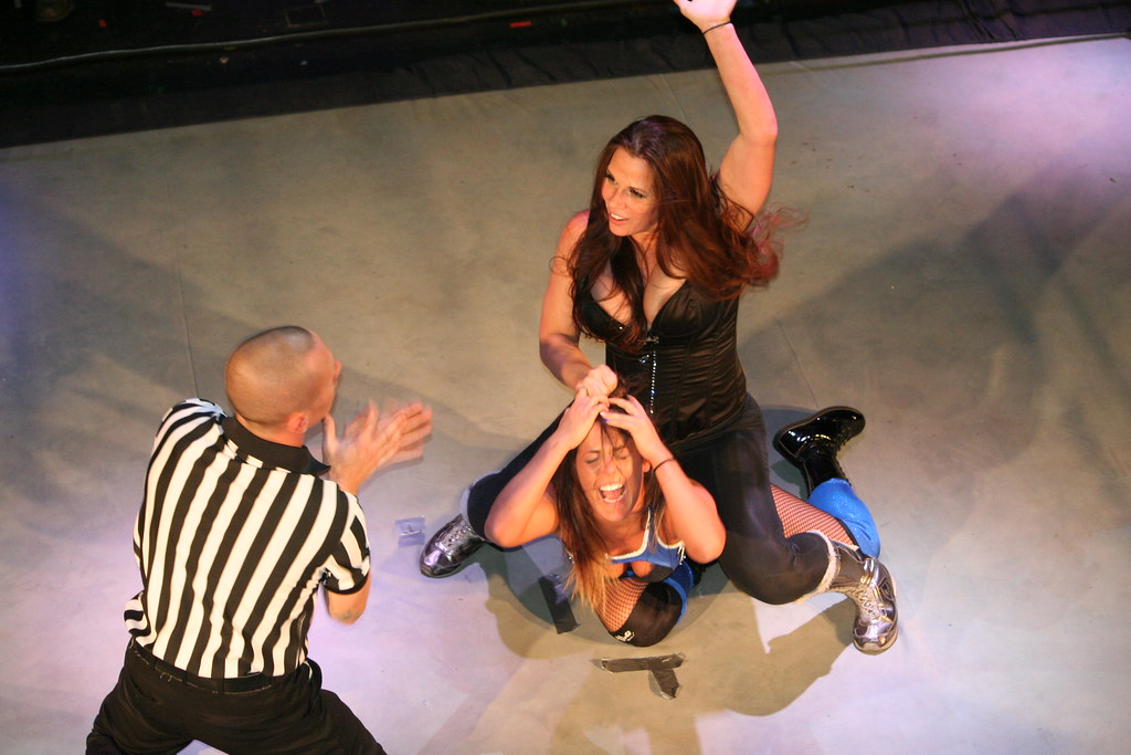 Mickie James vs Tessa Blanchard | Mike Kalasnik | Flickr