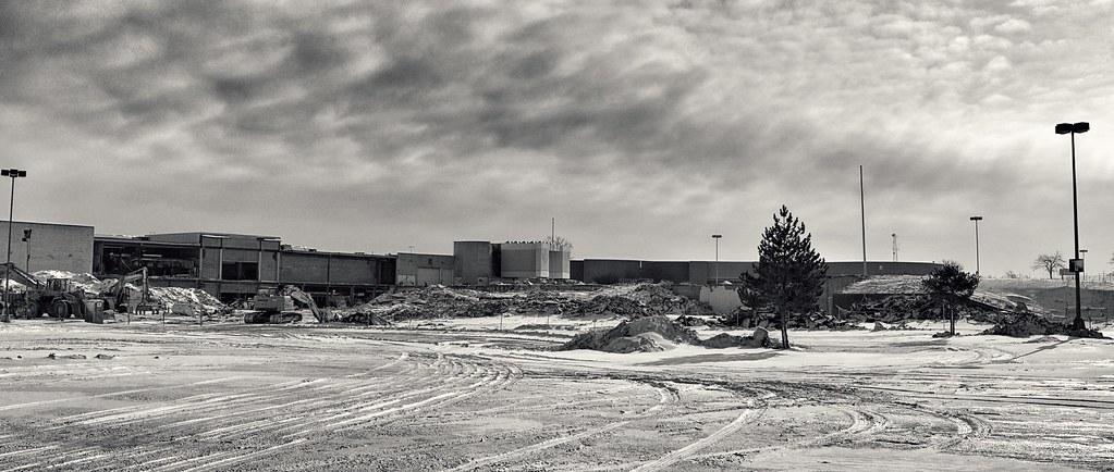 Randall Park Mall Demolition Higbee S Dillard S