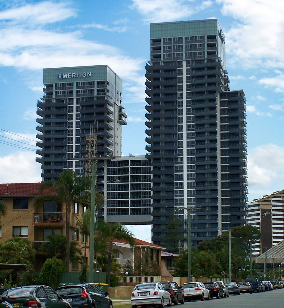 Meriton Broadbeach, Gold Coast | View of the two towers of ...