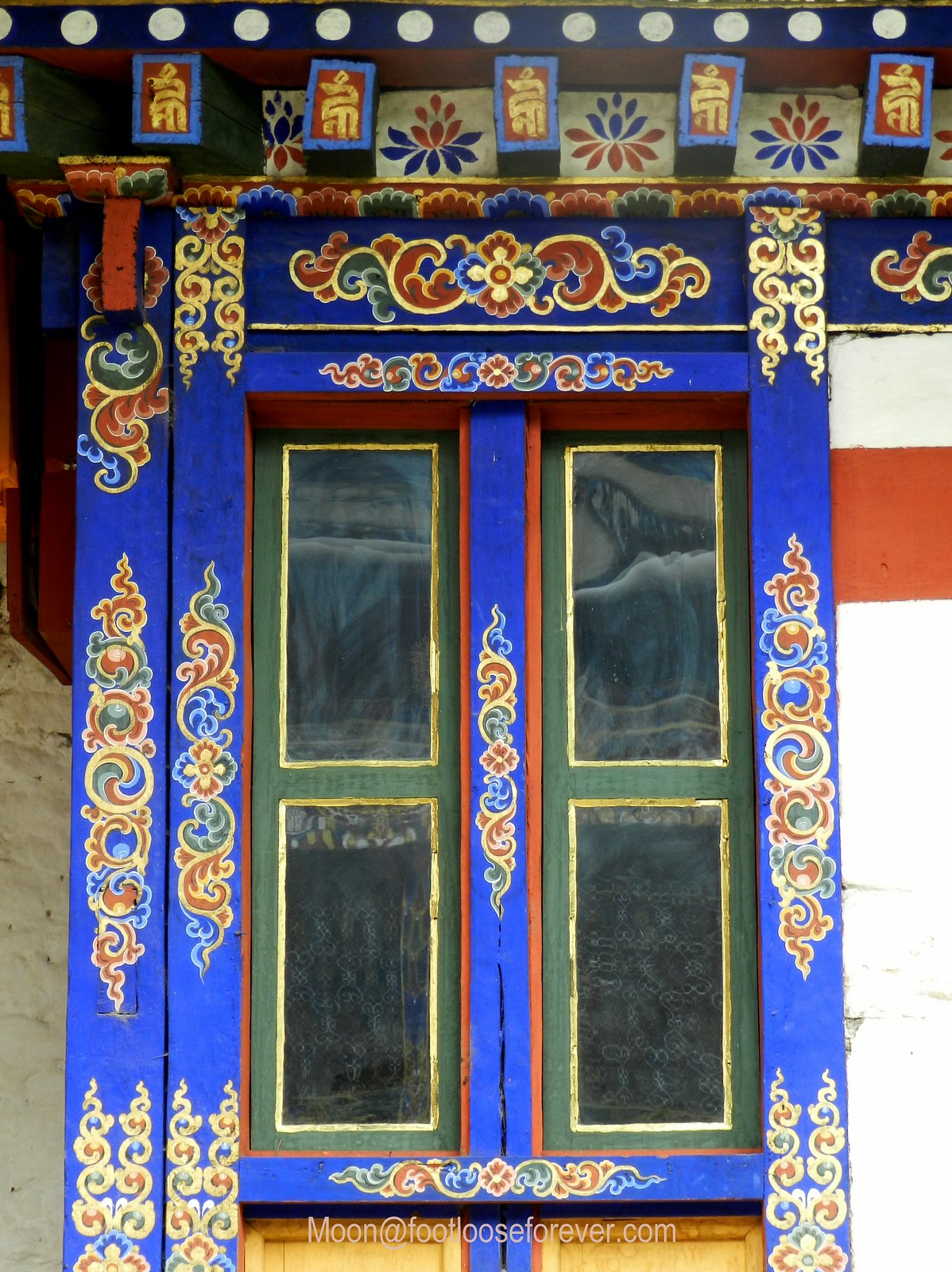 window, kichu monastery, paro, bhutan