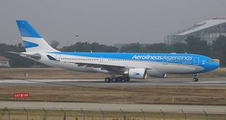 AIRBUS A330-200 AEROLINEAS ARGENTINAS F-WWYF MSN1748 (LV-GIF)
