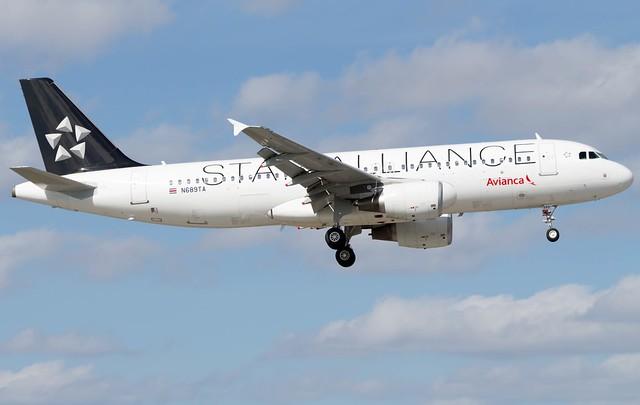 Avianca Airbus A320-214 N689TA