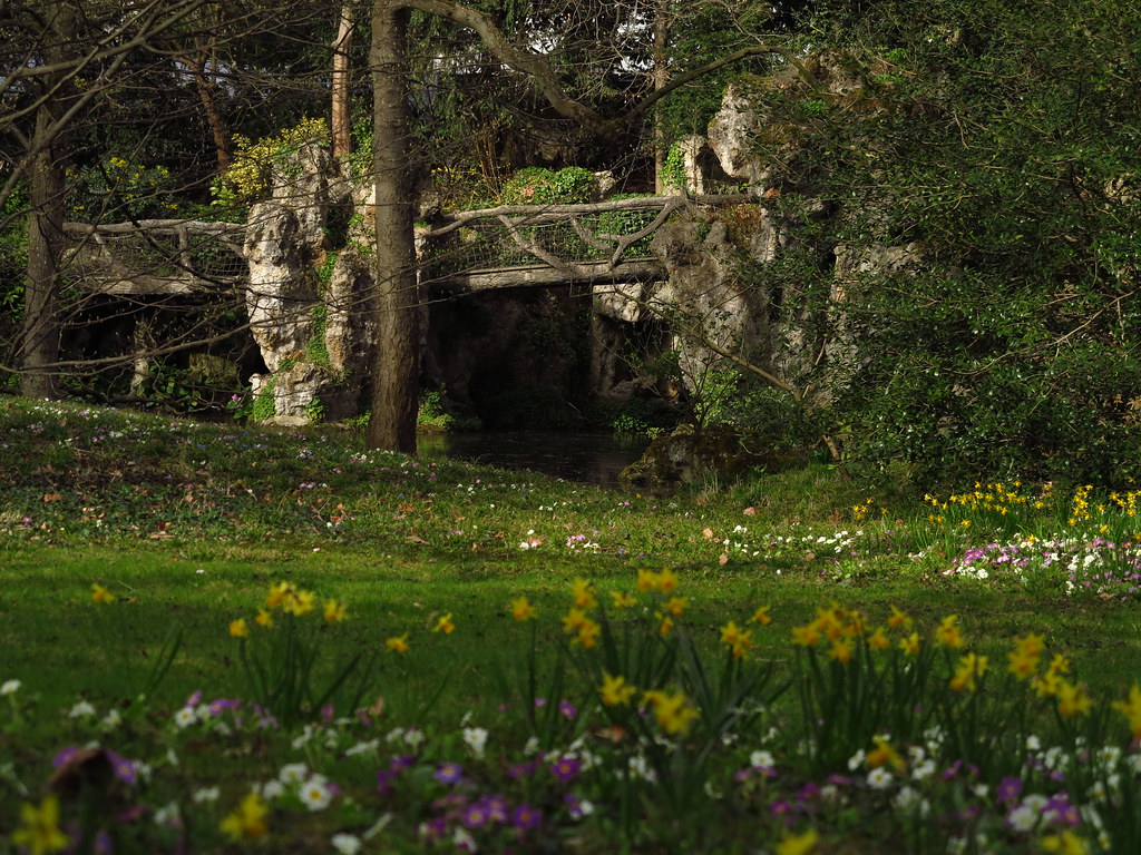 Jardin albert kahn grotte du jardin anglais en rocaillag for Jardin en anglais