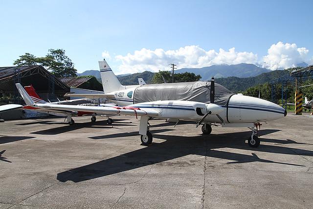 HK-4927