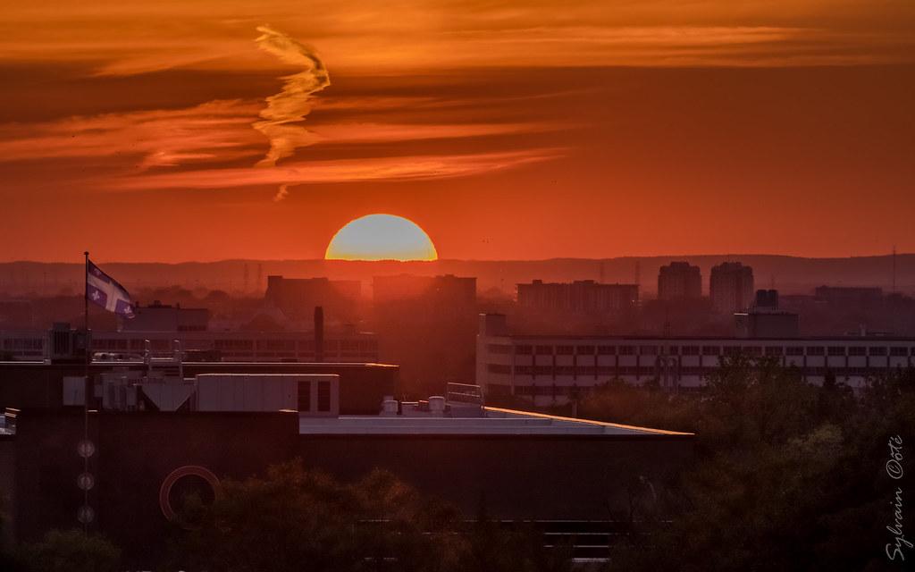 Coucher de soleil sur montr al vue du haut du stade unipr - Coucher de soleil montreal ...