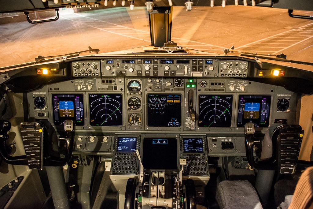 boeing 737 cockpit layout pdf