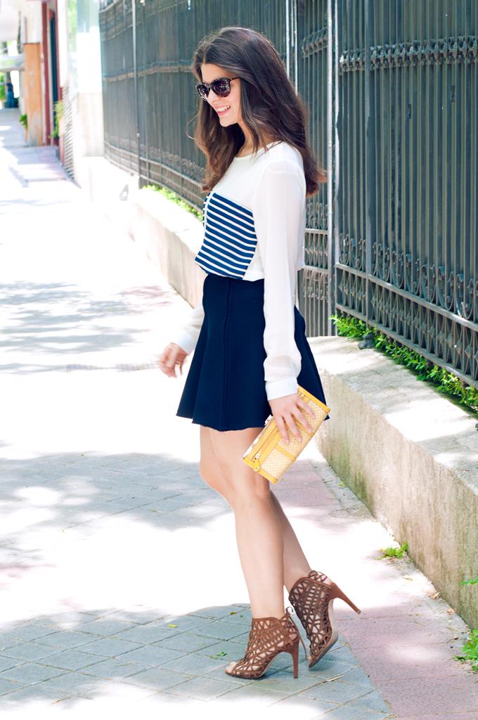 http://www.youcanbe.es/look-femenino-con-camisa-marinera/