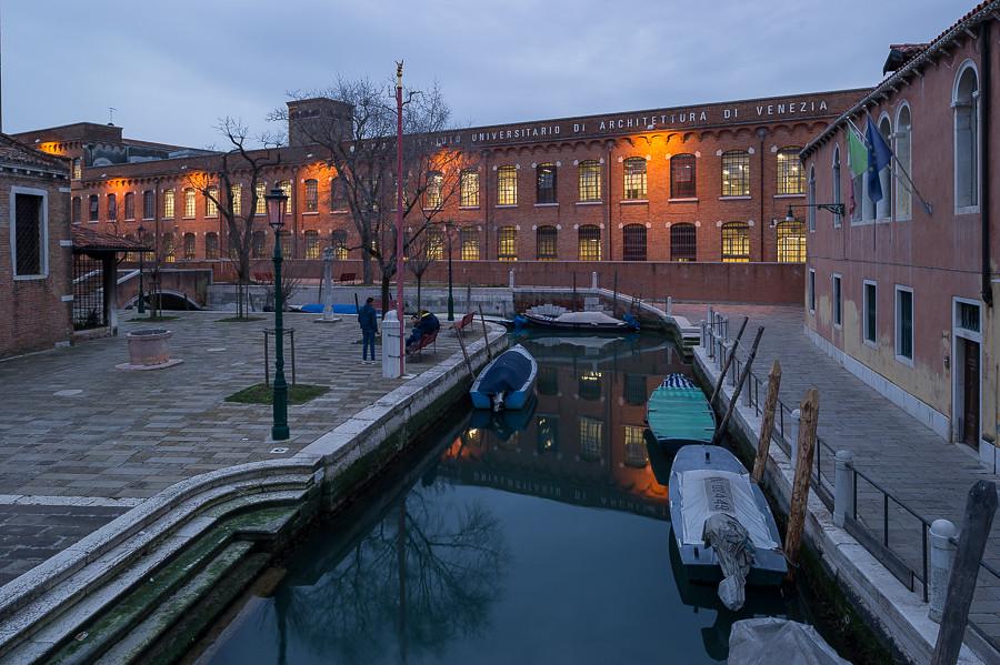 B B Universita Naples Italy