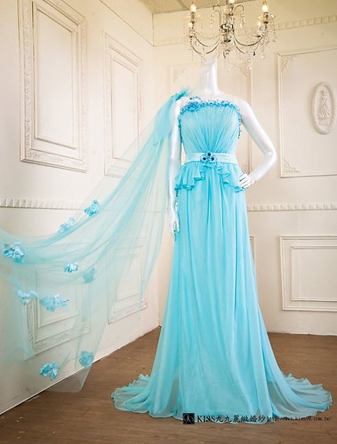 拍照婚紗和宴客禮服怎麼選?讓高雄kiss99婚紗告訴你:拍攝用禮服 (5)