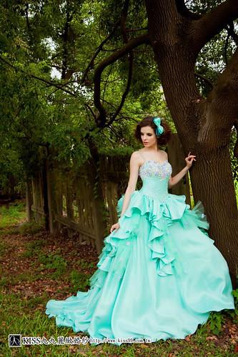拍照婚紗和宴客禮服怎麼選?讓高雄kiss99婚紗告訴你:拍攝用禮服 (17)