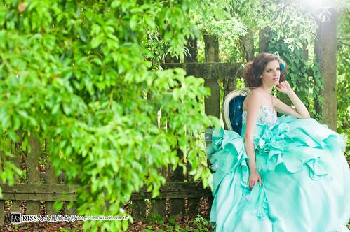拍照婚紗和宴客禮服怎麼選?讓高雄kiss99婚紗告訴你:拍攝用禮服 (18)
