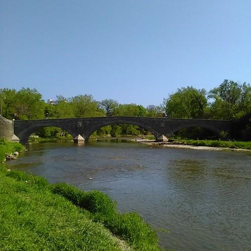 Humber River, downstream #toronto #etiennebrulepark #humberriver #oldmill #parks