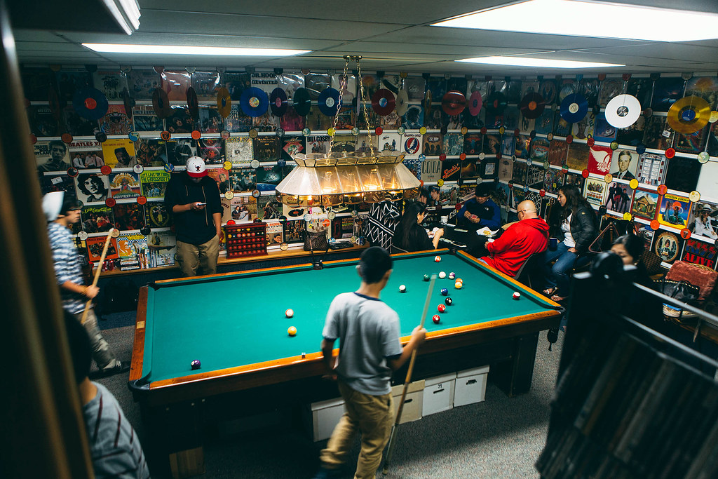 Man Cave Bar Games : Create the perfect game room or man cave deadicated fans