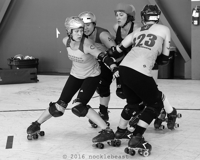 outlaws_vs_belles_L2011084 1