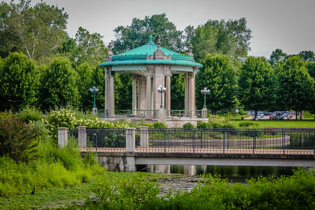 nathan frank bandstand located in the center of pagoda lak flickr