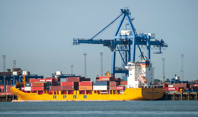 trade-shipping-felixstowe-england