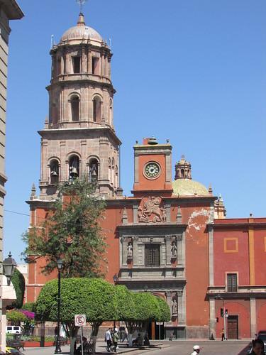 Templo de san francisco jardin zenea queretaro mexico o for Jardin zenea queretaro