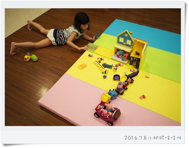 【小鹿蔓蔓mang mang】超輕巧方便的台灣製四折兒童遊戲墊