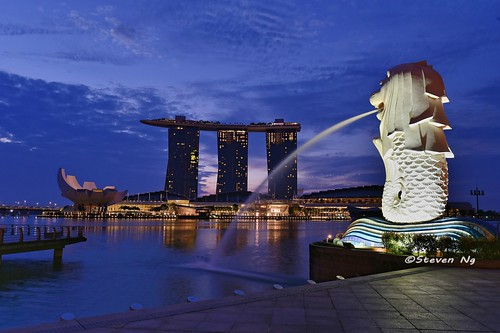 Merlion sunrise