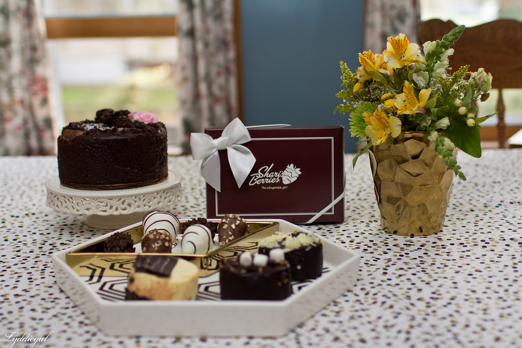 sharis berries-5.jpg