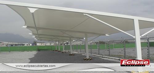 Techos para autos toldos para estacionamientos impermeable for Toldos para estacionamiento