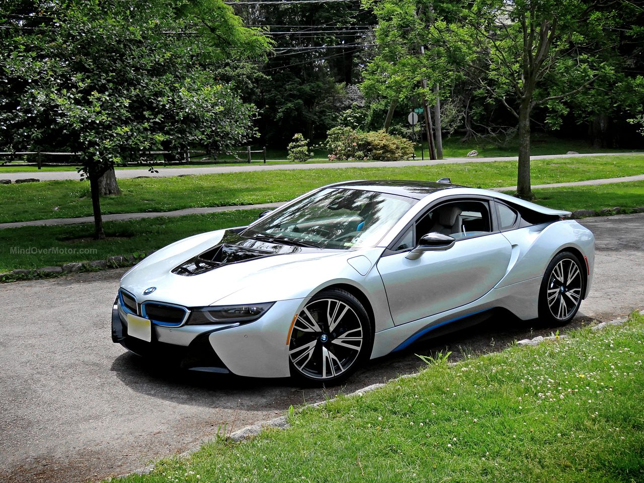BMW i8 Review 4