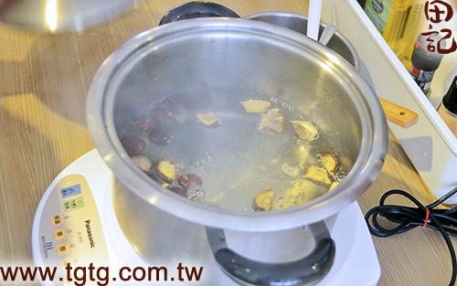 田記鮮雞精-山藥鱸魚雞湯-煮菇棗