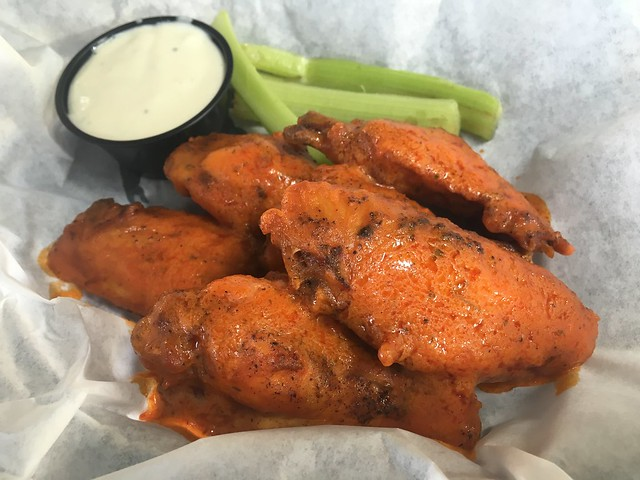 Spicy chicken wings - Alibi Azul