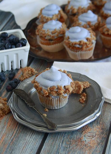 Pumpkin Blueberry Crumb Cake Cupcakes