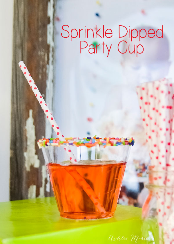 add some pretty to your party cups by dipping them in sprinkles