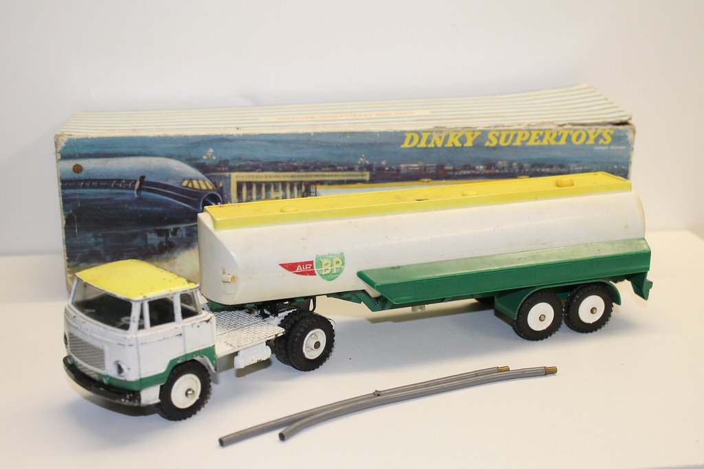 tracteur unic avec semi remorque air bp dinky toys 887 m flickr. Black Bedroom Furniture Sets. Home Design Ideas
