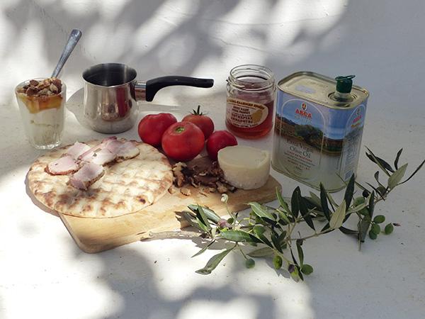 un vrai petit déjeuner à Naxos