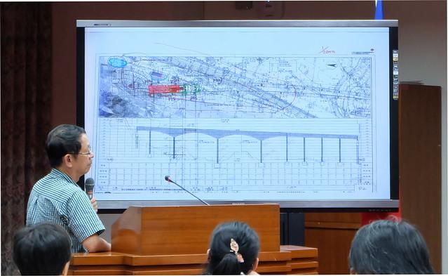 公聽會場上,多位建築師提出替代方案,以保存漢本遺址 攝影:陳文姿