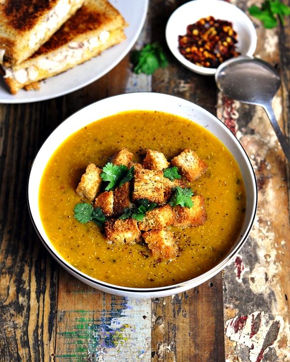 Curry pumpkin, quinoa & lentil soup | www.fussfreecooking.com