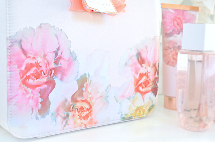 ted baker washbag set