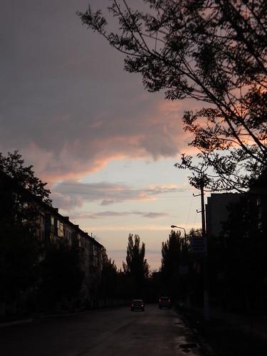 Саки, вечер, пустая улица | horoshogromko.ru
