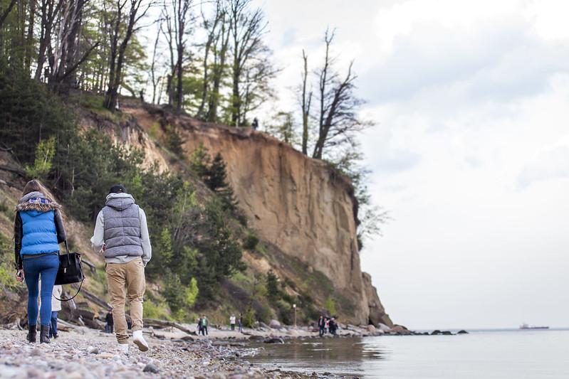 Couple walking near Orłowo Cliff