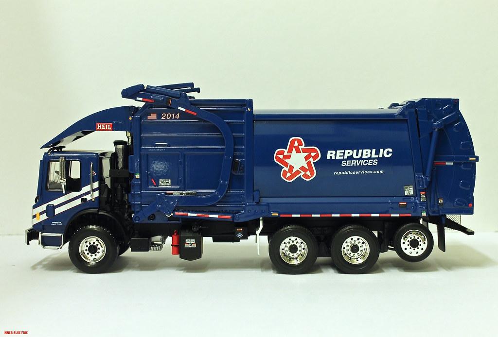 First Gear Republic Services Garbage Truck First Gear