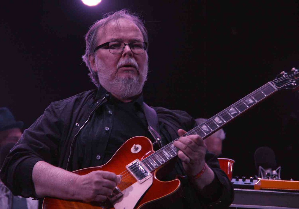 Walter Becker playing at Coachella 2015 with Steely Dan an… | Flickr