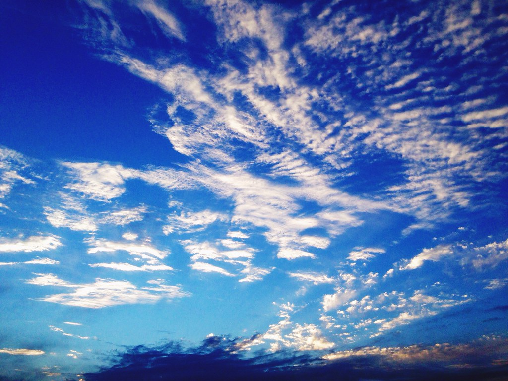 cobalt bluemotorola blue sky life is beautiful pattern… | flickr