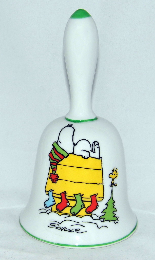 Vintage 1973 Peanuts Christmas Bell By Schmid With Snoopy Woodstock Made In Japan