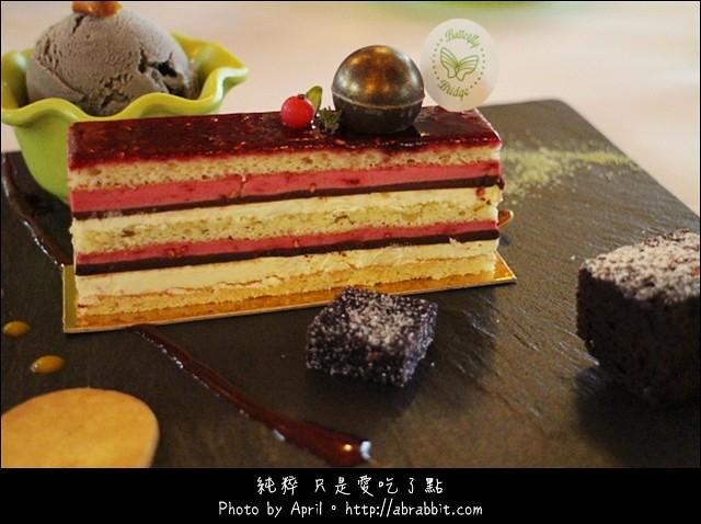 16803607550 9e8969d75e z - [台中]蝴蝶橋甜點美食莊園Cuisine--小木屋裡頭的甜點好誘人@北屯區 (已歇業)