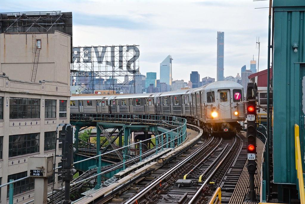 7 Train In Queens New York City Noel Y Calingasan